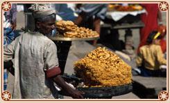 Snacks Seller in Varanasi